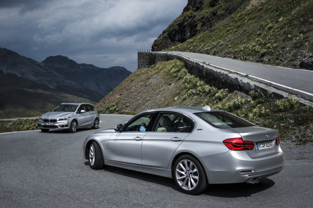 BMW 330e - 225xe Active Tourer