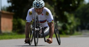 Alex Zanardi Triathlon Kona 2014