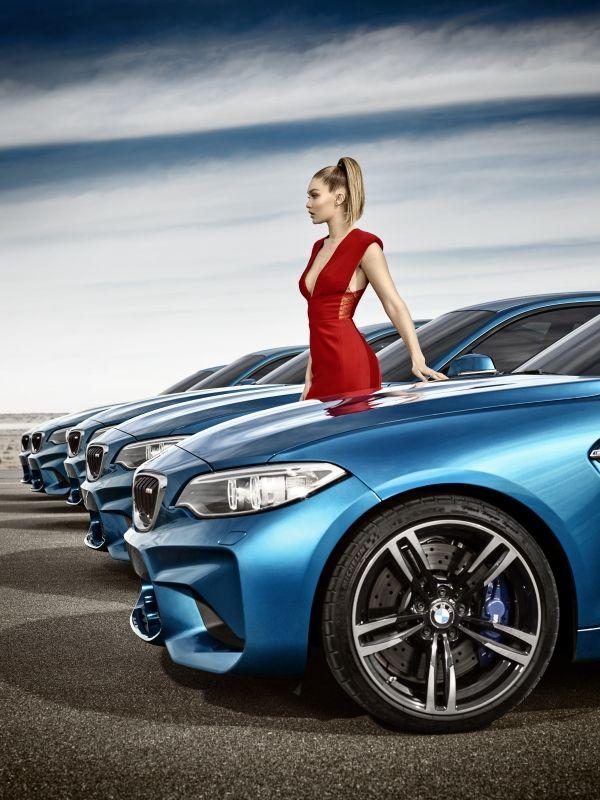 Eyes on Gigi : la supermodel Gigi Hadid e la BMW M2 ...