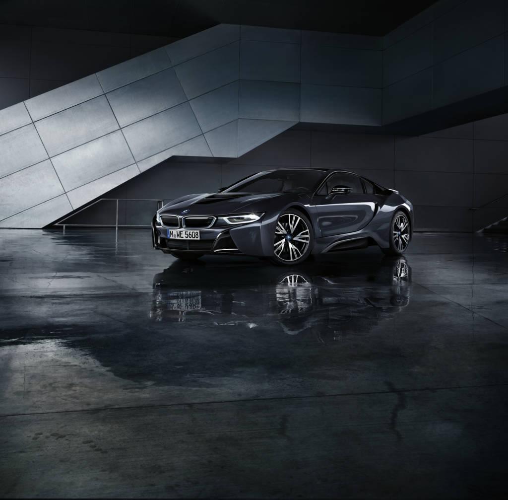 BMW M Ibride - BMW i8 Protonic Dark Silver Edition