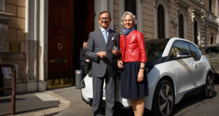 BMW i3 - Consegna di BMW Italia all'Ambasciata Tedesca