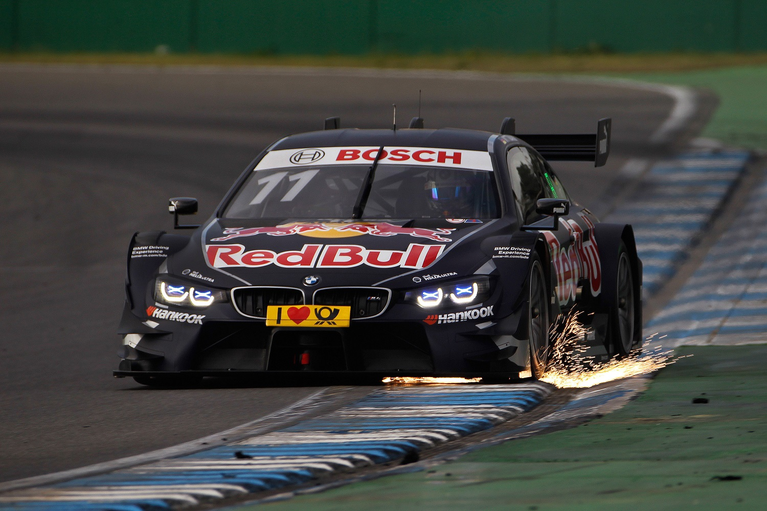 BMW Motorsport - BMW M4 DTM - Hockenheim preparativi