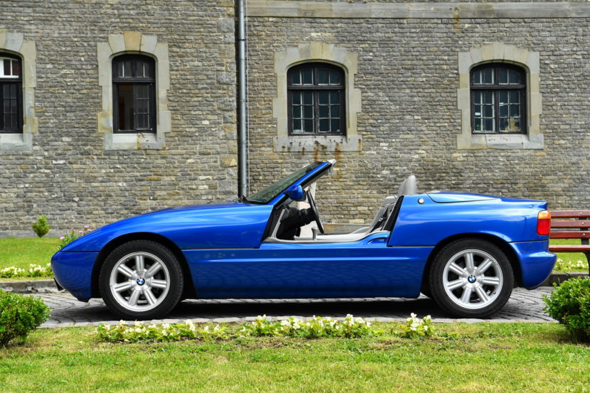 bmw z1 la roadster con le porte a scomparsa video bmwpassion blog. Black Bedroom Furniture Sets. Home Design Ideas