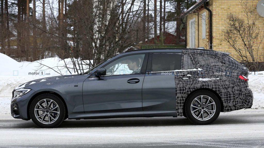 Vista laterale della BMW Serie 3 Touring