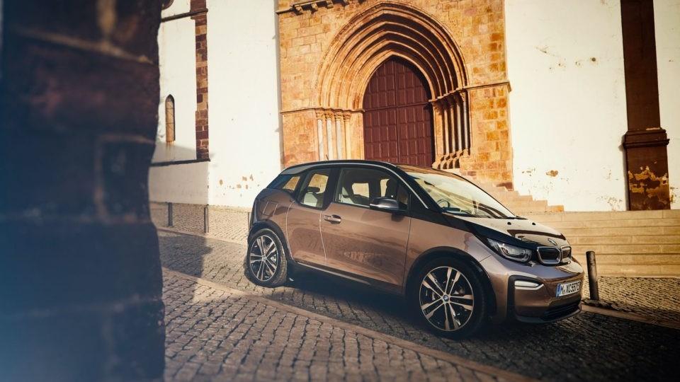 BMW i,3 l'auto che potrebbe ispirare una BMW i2