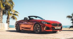 BMW Z4 M40i color San Francisco Red