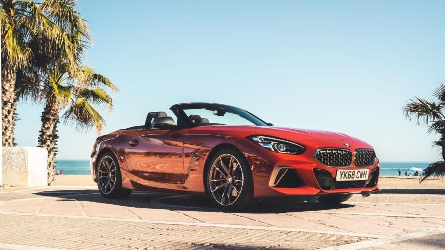 BMW Z4 M40i color San Francisco Red