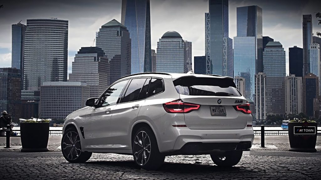 La nuova BMW X3 M va a New York