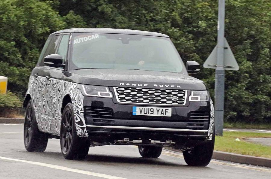 Ecco le primissime immagini della Range Rover che monterà motori BMW